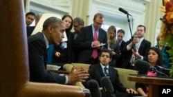 La Casa Blanca indicó que el gobierno apelará la decisión a través del departamento de Justicia. El presidente Obama ha remarcado que defenderá su orden ejecutiva hasta el final.