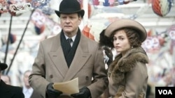 Aktor Colin Firth dan aktris Helena Bonham Carter dalam salah satu adegan 'The King's Speech.'