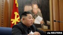 "Kim Jong Un prometió también el 29 de diciembre de 2019 dar un ""giro decisivo"" a la economía norcoreana."
