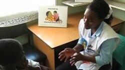 """肯尼亚:艾滋病与""""母亲辅导员"""""""