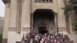 埃及抗议者困在开罗清真寺