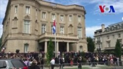 Cuba iza su bandera en embajada en Washington