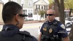 Натільні камери на поліцейських одягнули, щоб попередити зловживання