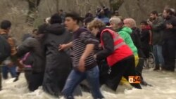 Refugee crisis intensifies at the border of Greece and Macedonia