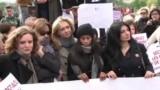 VOA Hausa: Ana ci Gaba da Gangami Kan Chibok a Paris, Mayu 13, 2014 (English)