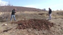 Ponovo srušena ploča nestalim novinarima na Kosovu