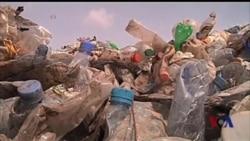 塑料瓶回收再利用 环保制鞋前景看好