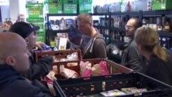 看天下:英国接受食物银行救助者增加