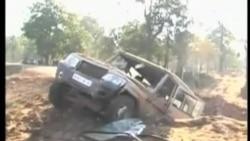 印度毛派襲擊國大黨車隊打死數十人