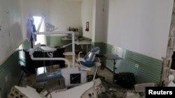 지난 2017년 4월 시리아 이들리브에서 공습으로 파괴된 병원 내부.