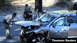 Carro de Tiger Woods depois do acidente no dia 23 de Fevereiro