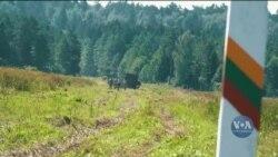 Кордон Білорусі з Литвою: У Вільнюсі звинувачують Лукашенка, який ще раніше погрожував знизити контроль над міграцією. Відео