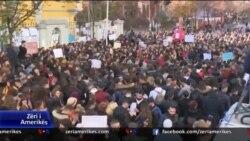 Rinia shqiptare e zhgënjyer nga politika
