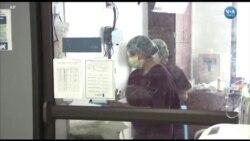 Hastane Robotu 'Moxi' İş Başında
