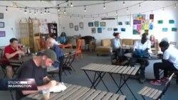 SAD: Kafić koji izbjeglicama olakšava novi život