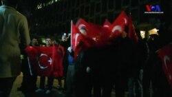 Londra'da Türkler Trump'ın Kararını Protesto Etti