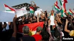 Сирийские курды протестуют против военной операции турецких войск в Сирии. 10 октября 2019 г.