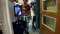 Dərsə gedən bir robot