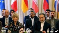 伊朗外交代表7月28日在維也納與英國、法國、德國、歐盟、中國和俄羅斯的代表舉行了會晤。圖為伊朗副外長阿拉格希(Seyed Abbas Araghchi)(右一)。