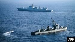 지난 2016년 5월 중국 해군함들이 남중국해 파라셀군도(중국명 시사군도)에서 기동훈련을 했다.