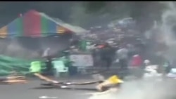 2014-02-18 美國之音視頻新聞: 曼谷警方與抗議者衝突至少3人喪生