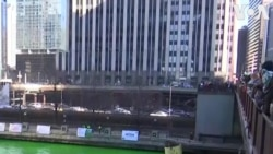 Nhuộm xanh Sông Chicago mừng Lễ Thánh Patrick