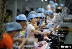 지난 8월 중국 선전의 진공청소기 공장.
