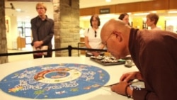 Through Sand Art, Former Tibetan Monk Spreads Message of Peace