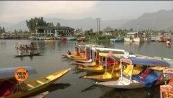 کشمیر کی ڈل جھیل سیاحوں کی منتظر