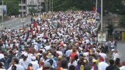 Oficialismo y oposición marcharon en Venezuela