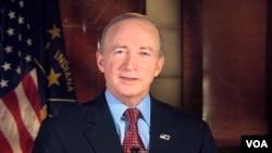 Gubernur negara bagian Indiana, Mitch Daniels (24/1)