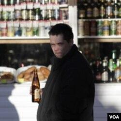 Meningkatnya penggunaan alkohol di negara-negara berkembang, menurut pakar WHO, berkaitan dengan peraturan mengenai alkohol di negara-negara tersebut masih longgar.