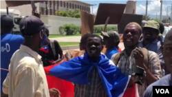 An anti-US protest in front of the US Embassy in Port-au-Prince, Sept. 24, 2020. (Matiado Vilme/VOA Creole)