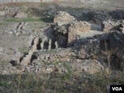 Borako'h (keyinchalik Taxti Sulaymon) tog'i (O'sh shahri) etagida joylashgan XII asr hammomi qoldiqlari