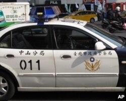 警方在遊行沿路嚴密戒備