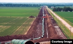 The Keystone pipeline under construction in David City, Nebraska. (Courtesy TransCanada)