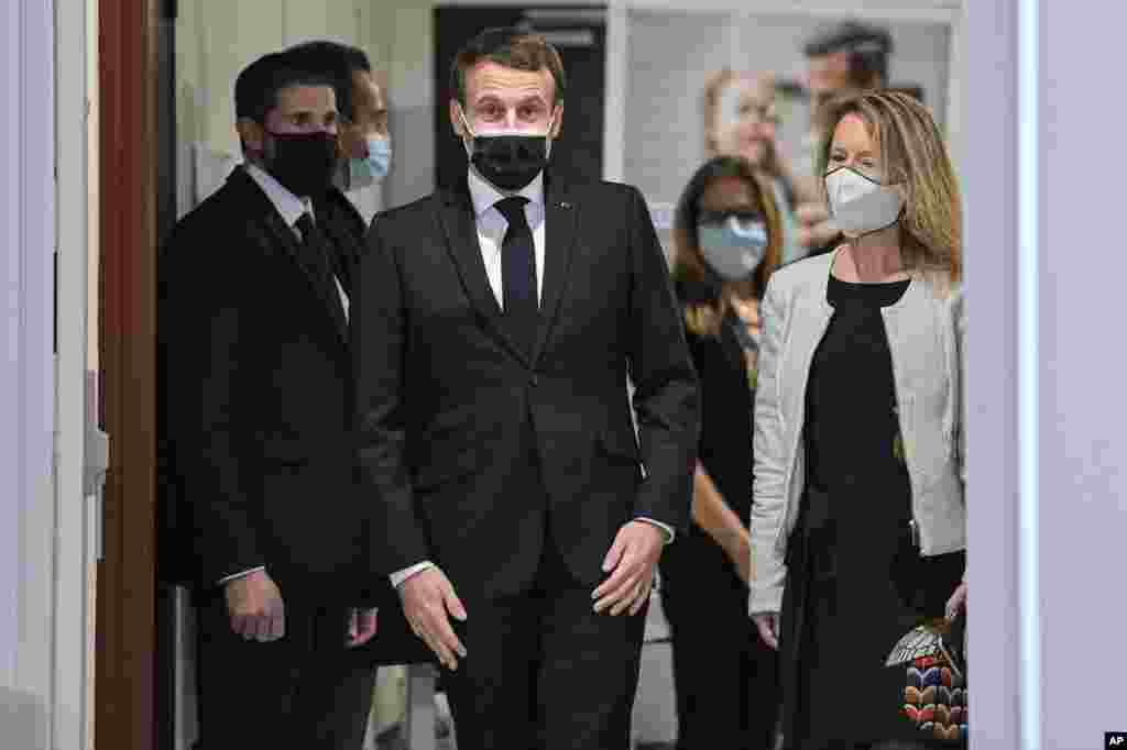 امانوئل مکرون رئیس جمهوری فرانسه بعد از بهبود از بیماری کرونا، بر حضور عمومی خود افزوده است.