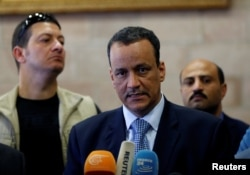 FILE - United Nations Special Envoy for Yemen, Ismail Ould Cheikh Ahmed, speaks to reporters upon his arrival at Sana'a airport on a visit to Yemen. May 22, 2017.
