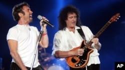 2005년 유럽 순회 공연할 당시 퀸(Queen)의 멤버들.