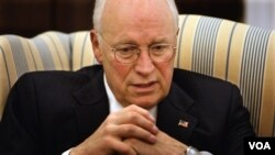 """Cheney no dejó de mencionar que durante el gobierno de George Bush, Irán e Irak formaban parte del """"eje del mal""""."""