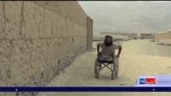 یو معلول افغان سرتیری چې په پوره عزم لاهم خپلې کورنۍ ته معیشت برابروي