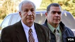 El encubrimiento de las autoridades de Penn State habría permitido a Sandusky seguir atrayendo víctimas.