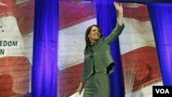 La representante por Minnesota, Michele Bachmann, recibió una muy buena evaluación tras el primer gran debate republicano.