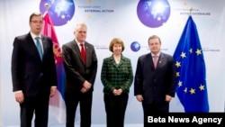 Predsednik Srbije Tomislav Nikolić, premijer Ivica Dačić i potpredsednik Vlade Aleksandar Vučić sa visokom predstavnicom Evropske unije Ketrin Ešton