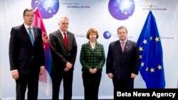 Trojica najviših zvaničnika Srbije u društvu visoke predstavnice EU Ketrin Ešton u Briselu pre nekoliko meseci