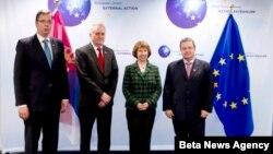 Predsednik Srbije Tomislav Nikolić, premijer Ivica Dačić i potpredsednik Vlade Aleksandar Vučic sa visokom predstavnicom Evropske unije Ketrin Ešton