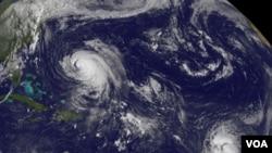 María tenía vientos máximos sostenidos de 85 kilómetros por hora y podría estar llegando cerca de Puerto Rico el fin de semana.