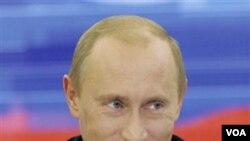 Perdana Menteri Rusia Vladimir Putin (foto: dok) menyebut bodoh bila Senat AS mengabaikan perjanjian START.