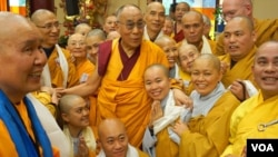 Dalai Lama Concludes Europe Tour (source:dalailama.com)