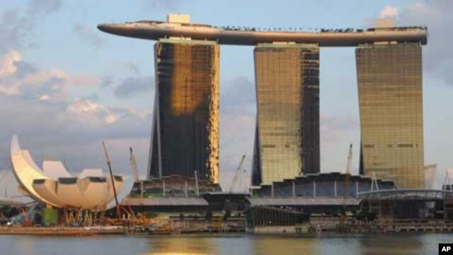 Singapore's new Marina Bay Sands resort  (see more pictures below)
